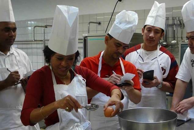 Proposez un cours de cuisine à vos collaborateurs