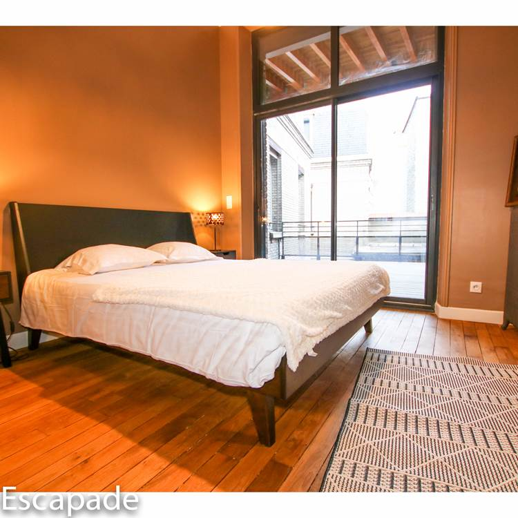 Une chambre au calme donnant sur une terrasse