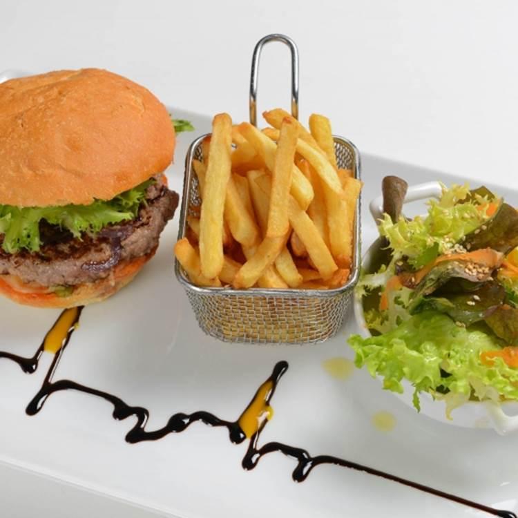 L'Hôtel des Tuileries Nîmes avec Brasserie Le W - Service de livraison de repas toute la semaine pendant le confinement
