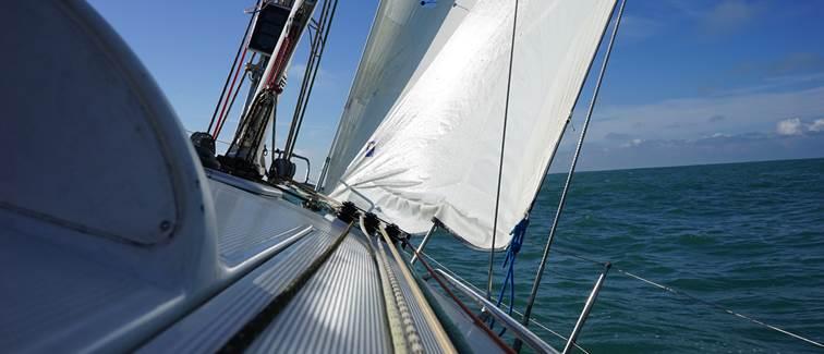 voilier First 36.7 au près