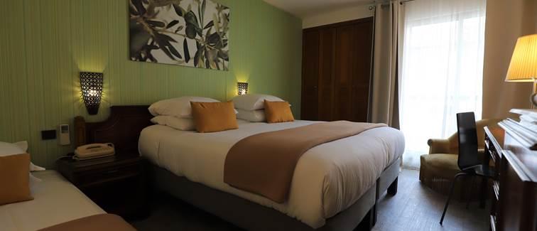 Chambre triple avec petit ou grand balcon