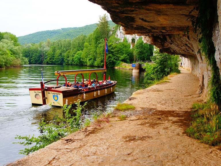 Balade sur le Lot en bateau promenade © Lot Tourisme J