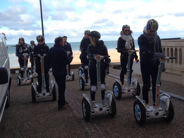 Equipe de pilotes , prêts au départ , digue de Saint Malo, nov 2017