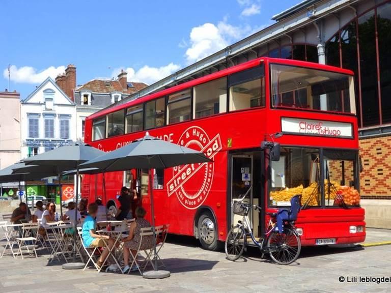 Le bus à burgers de Claire et Hugo