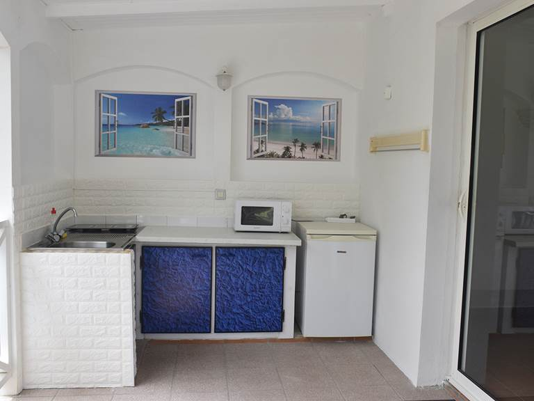 Les Saintes kitchenette