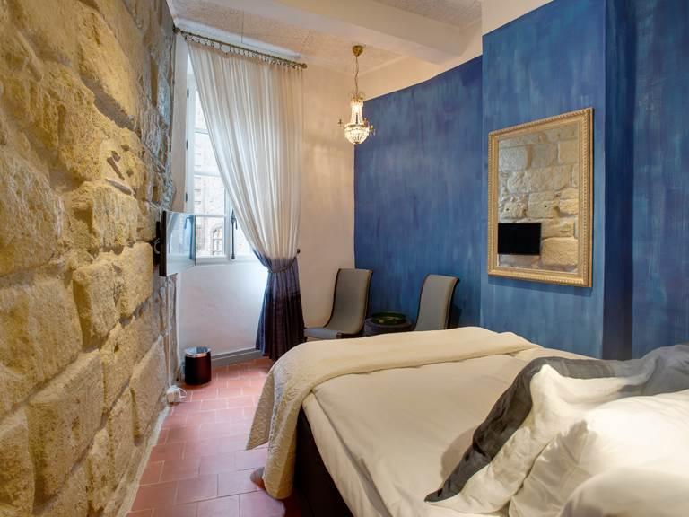 Brescou room 3