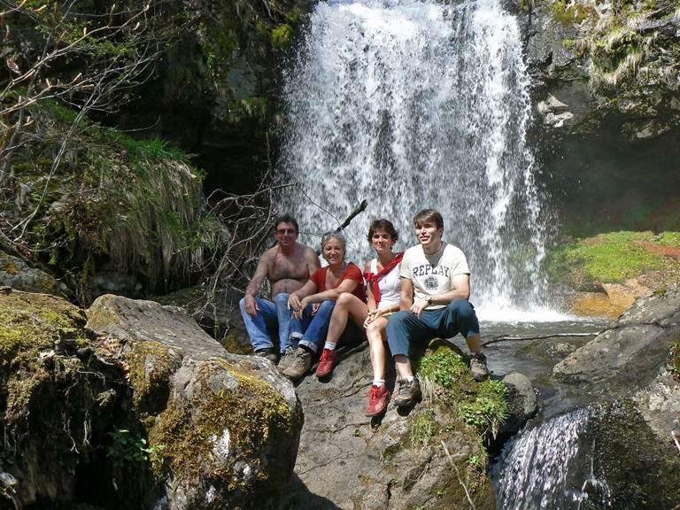 Devant la cascade du Capat