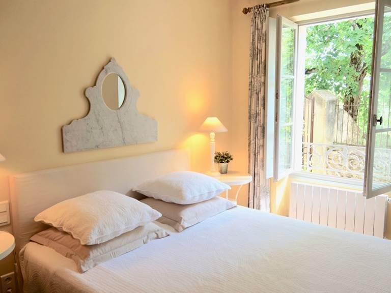 Chambre Acanthe en rez de jardin aux chambres d'hôtes la Rougeanne près de Carcassonne dans l'Aude