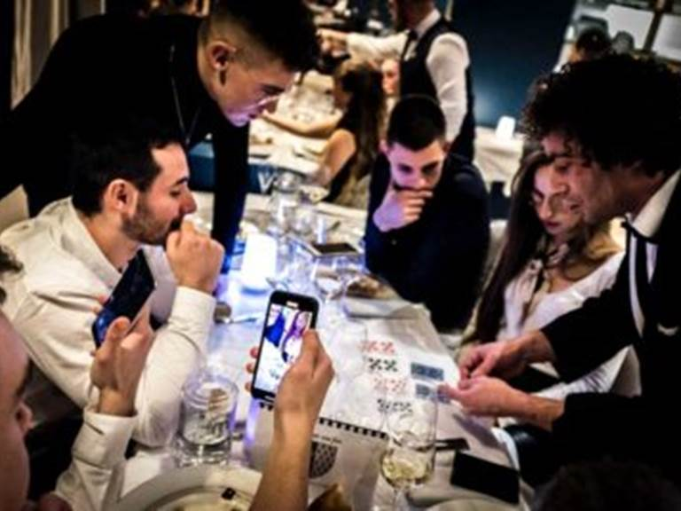 Magie anniversaire-mariage Yannis Why et Villa Charles & Ashton