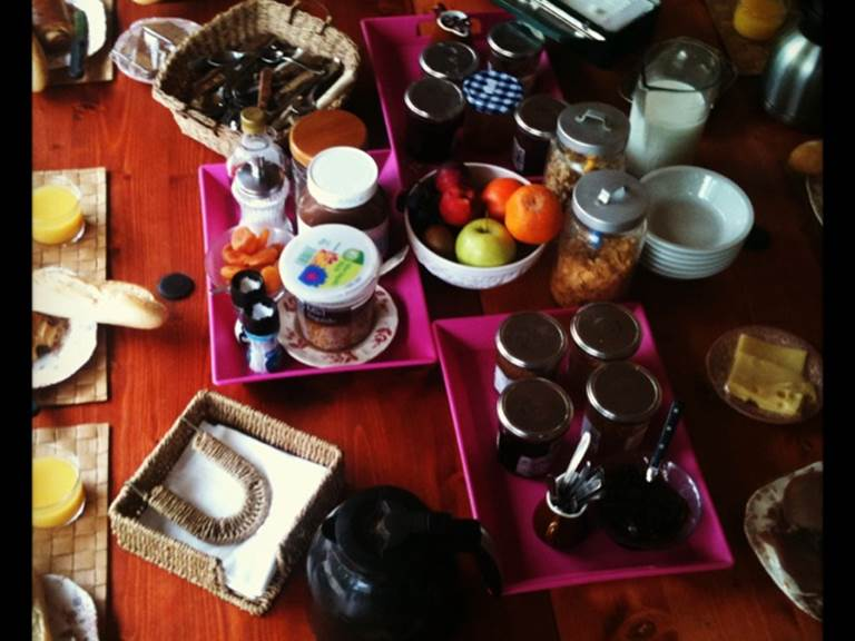 le petit dejeuner buffet