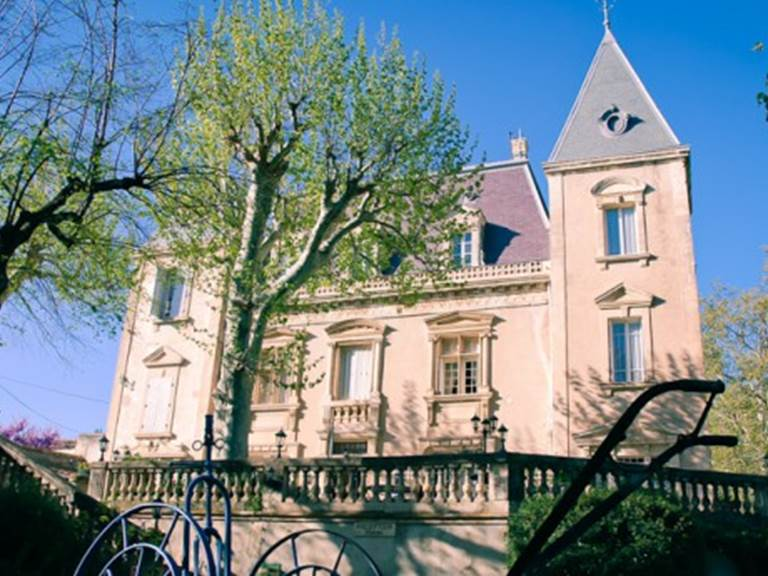 table-gourmande-le-mogador-du-chateau-du-martinet-vue-exterieure-10617