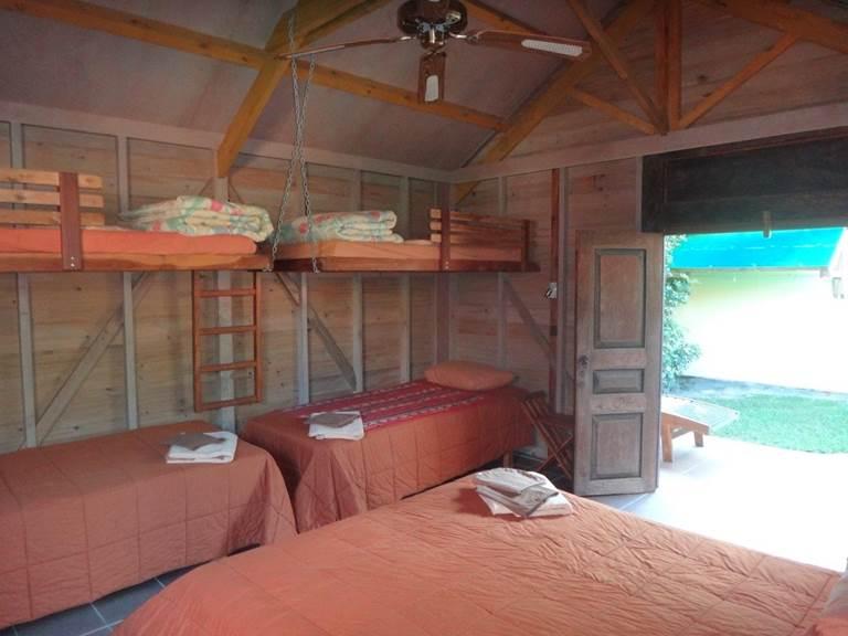 Intérieur bungalow jaune