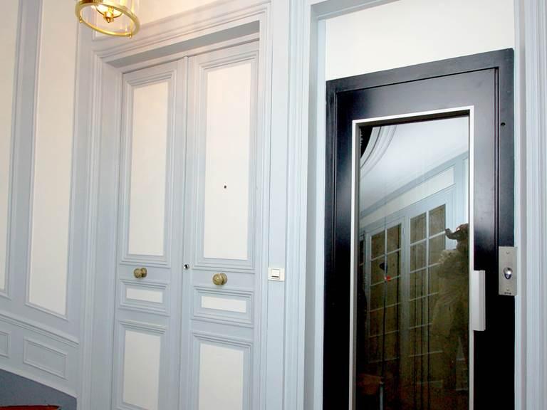 ascenseur du 8 rue du Delta