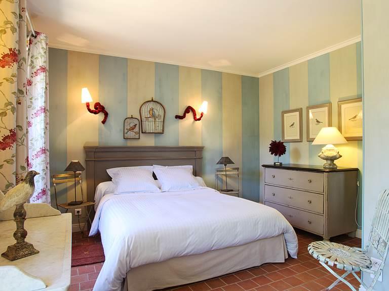 Chambre double au confort raffiné avec vue sur les jardins de la Chartreuse
