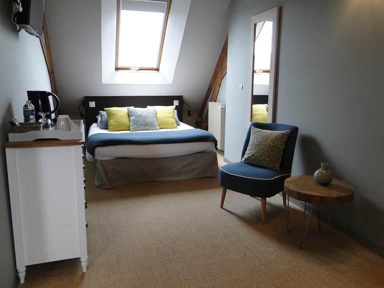 La chambre Guillaume du côté des parents, lit double, la tête sous les étoiles !