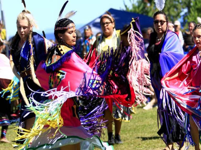 grand-rassemblement-des-premieres-nations-pow-wow-de-mashteuiatsh-danse