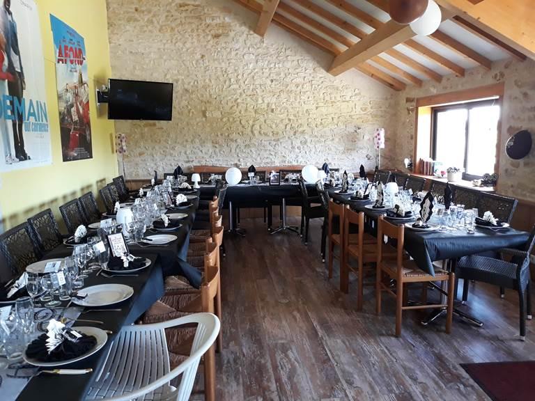 Salle de réception ou séminaire en mode déjeuner