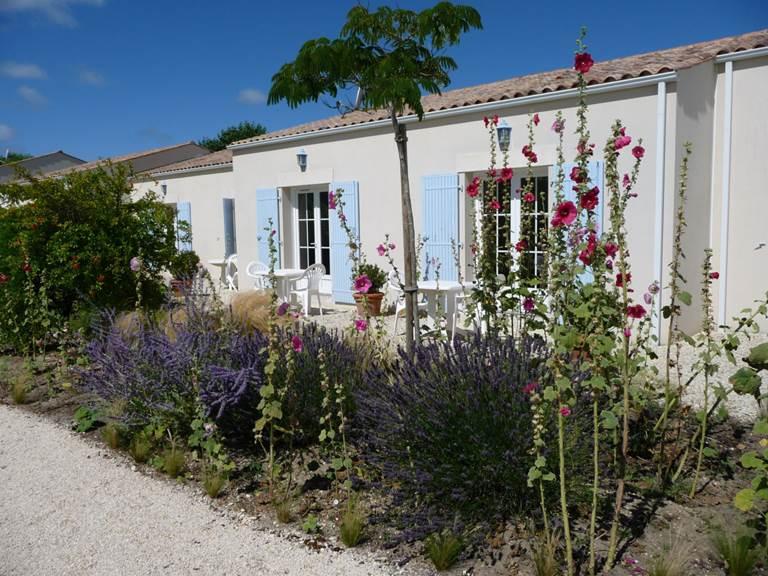 Location de maisonnettes 2 personnes à l'hôtel résidence les alizés sur l'île d'Oléron