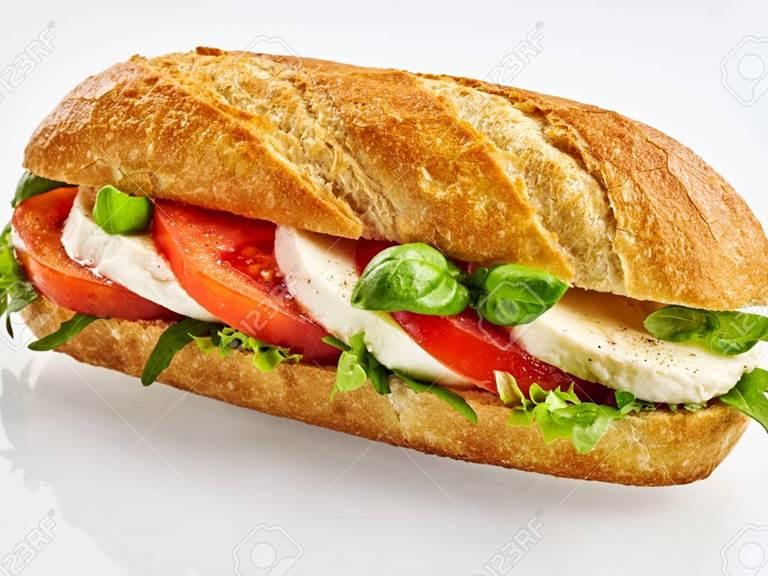 Fresh-baguette-sandwich