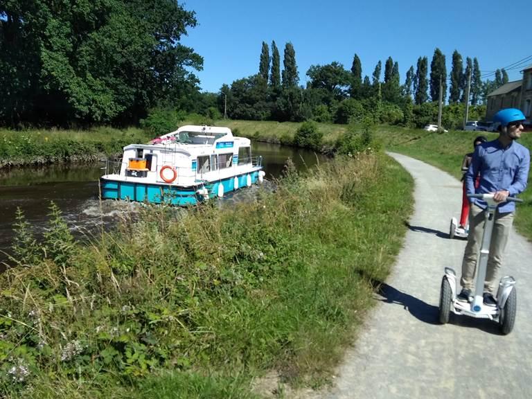 Bord de canal , arrivée écluse Saint Martin Rennes. 062018