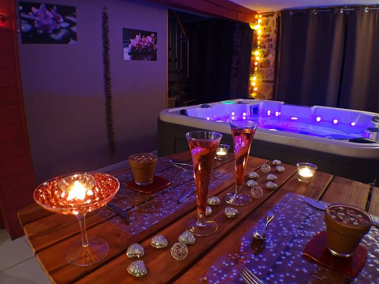 Suite Les Instants Bulle 70 m² jacuzzi privatif + sauna infrarouge