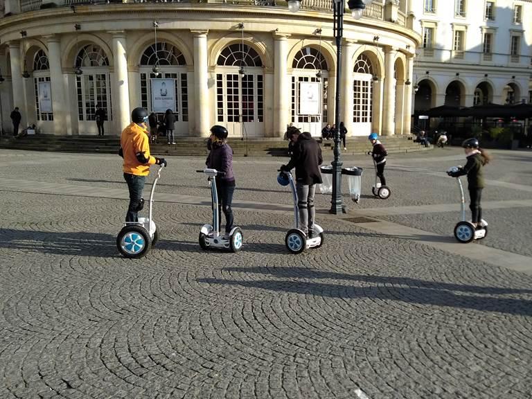 Equipe place de la Mairie. Rennes.