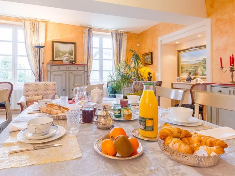 Saint Roch petits déjeuners hôtes inclus2.jpg