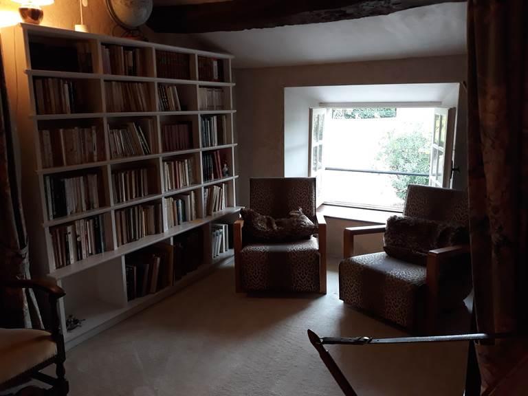 salon lecture à l'étage