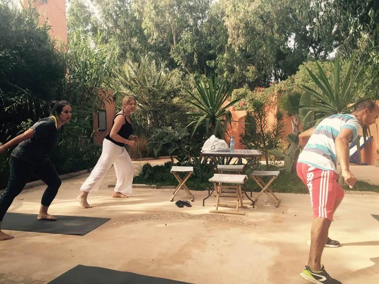 Cours de sport à Baoussala