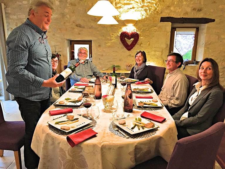 Table dhôtes à Côté Granges