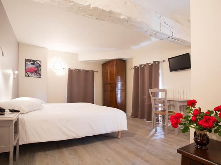 hotel restaurant le sully perigord vert  chambre zimmer room