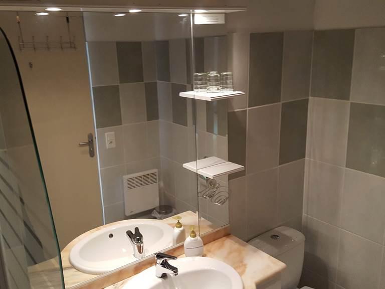 salle de bains  wc chambre 2