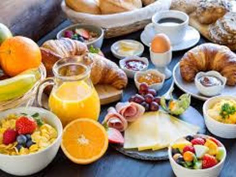 12 Free full Breakfast