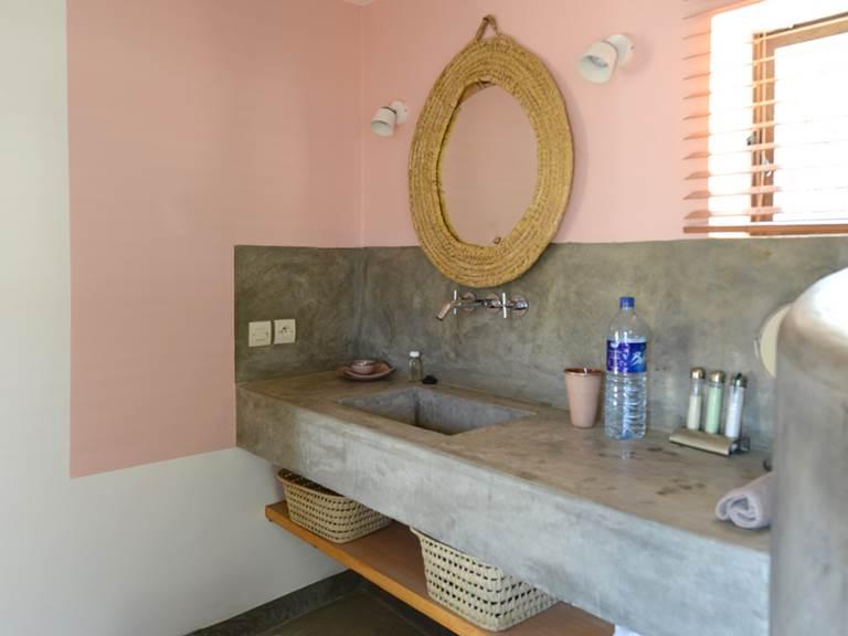 chambre warda, salle de bain