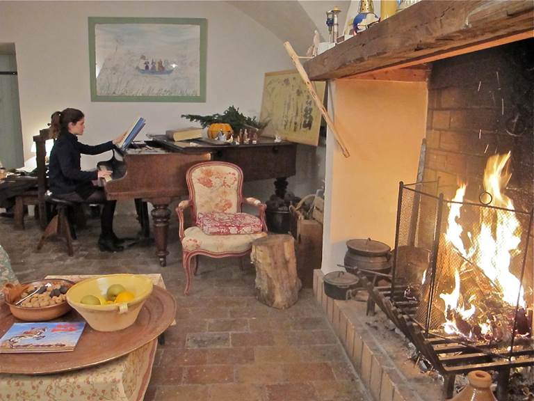 salon feu piano