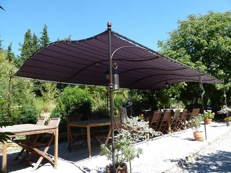 Sarriette  votre table extérieure