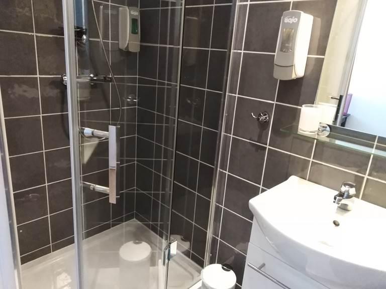 Salle de Bain  IDA avec douche italienne