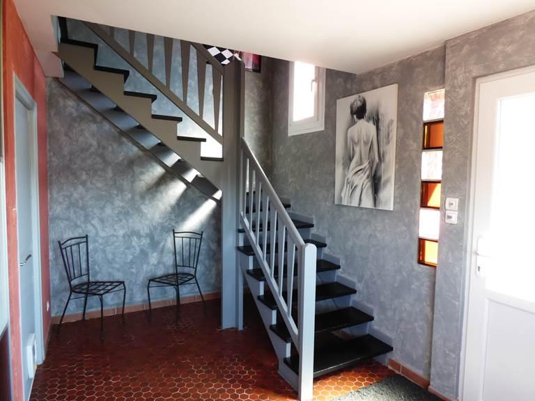 Escalier Chambres d'hôtes La colline aux Yeux Doubs
