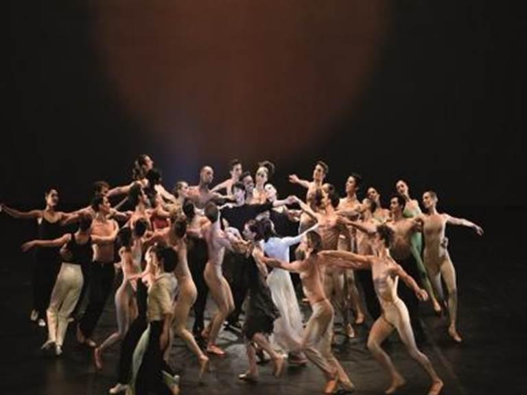 FMAAQU064V5A2HRXBejart-Ballet-Lausanne---Droits-Lauren-Pasche