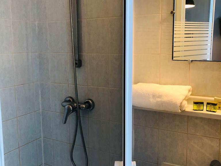 salle de bain chambre B&B
