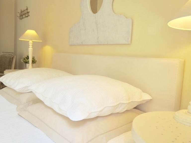 Chambre Acanthe avec son jardin privatif aux chambres d'hôtes la Rougeanne près de Carcassonne dans l'Aude