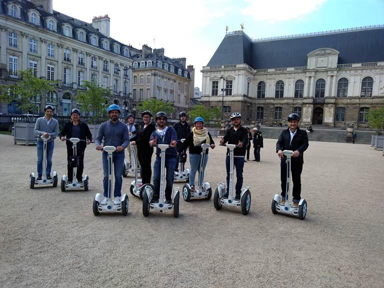 Equipe place du Parlement Rennes . Mai 2019