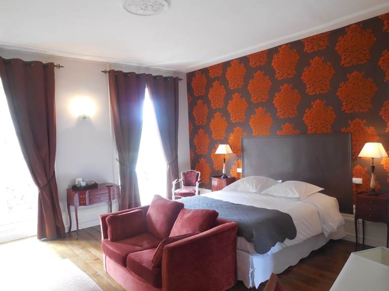 Chambres d'hôtes Le Jardin des Lys  chambre Lys Rouge
