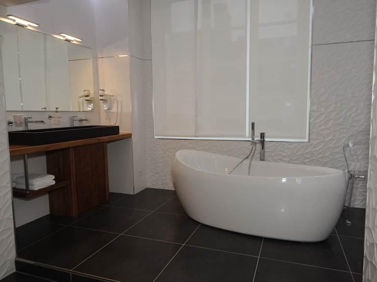 salle de bain chambre vip