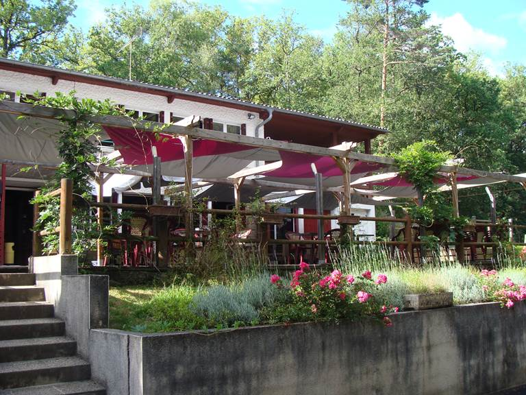 Terrasse restaurant la Table d'Agnès Le Vendahaut Lapleau