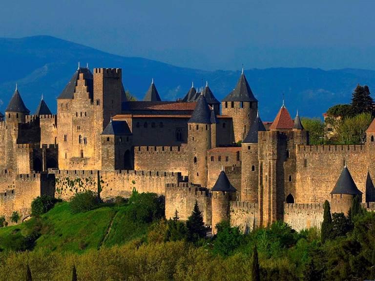 La cité de Carcassonne proche des chambres d'hôtes la Rougeanne