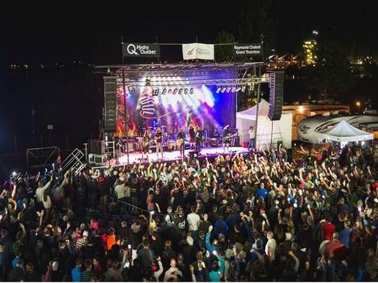 festival-de-culture-et-musique-traditionnelles-les-grandes-veillees-spectacle