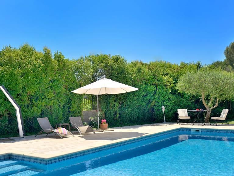 La piscine du mas Saint-Ange, à Lunel