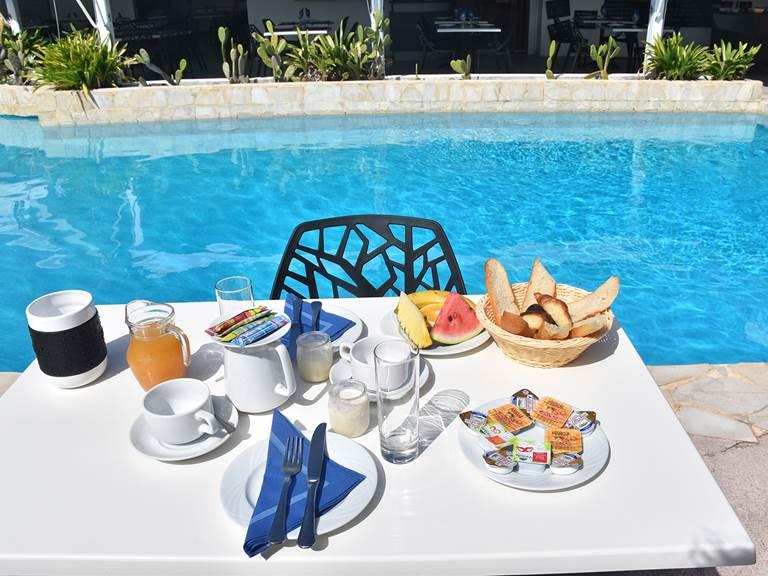 petit déjeuner hostellerie guadeloupe