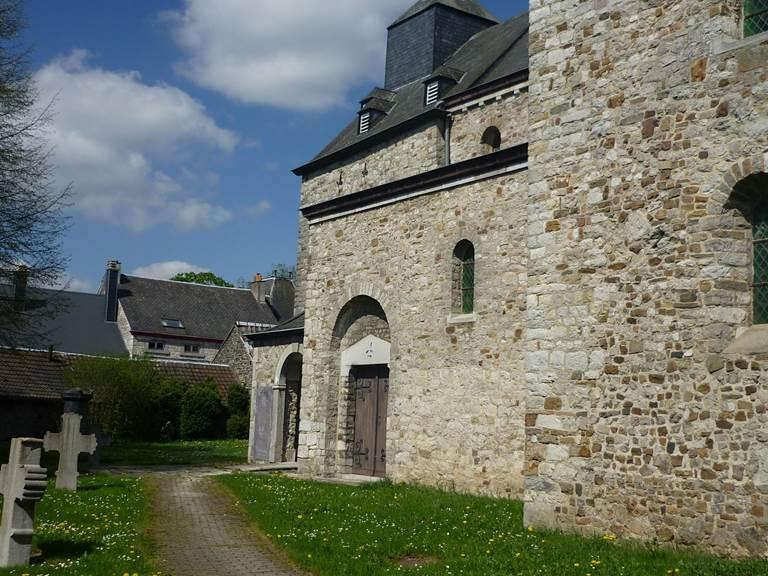 Entrée de l'église St Pierre
